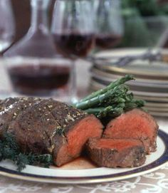 Easy Tenderloin of Beef Roast Beef Recipes, Pork Tenderloin Recipes, Beef Tenderlion, My Favorite Food, Favorite Recipes, Beef Dishes, Love Food, Food And Drink, Cooking Recipes