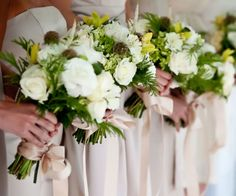 Green-and-White-Wedding-Bouquets-with-Fern