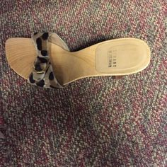 Stuart Weitzman sandal Stuart Weitzman sandal size 10 only worn once Stuart Weitzman Shoes