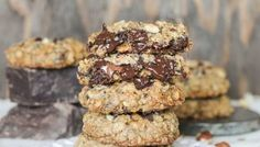 Nutella-Stuffed-Oatmeal-Hazelnut-Chocolate-Chip-Cookies-3