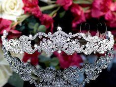 Bruidstiara, bruidssieraden, bruidsjuwelen, tiara. http://www.mylemony.nl/product/1530490/tiara063-sierlijke-tiara-met-kristallen