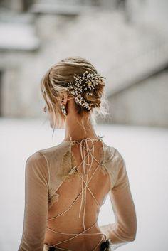 Aurora Borealis / The Crivelli gown / Nora Sarman Bridal / Photo The Wedding Fox
