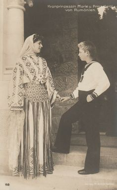 Queen Marie of Romania with her first son Crown Prince Carol (future King Carol II) of Romania. Queen Mary, King Queen, Adele, Vintage Photographs, Vintage Photos, Michael I Of Romania, Romanian Royal Family, Casa Real, European History
