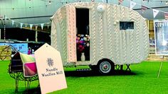 This caravan in a jumper created by a group of devoted Nundle knitters has been a hit at the Sydney Royal Easter Show, 2013