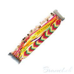 Mehrschichtiges Brasilien buntes Armband - http://bramel.ch/accessoires-shop/armband/mehrschichtiges-brasilien-buntes-armband/ http://bramel.ch/wp-content/uploads/2014/01/Mehrschichtiges-Brasilien-Armband-afrikan-style1-600x600.jpg
