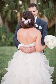 Wedding hairstyle idea; photo: Hunter Ryan Photo