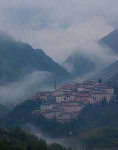 Preci on the hills of the Valnerina - Umbria, Italy - (©Hans Couwenbergh Photography), province of Perugia