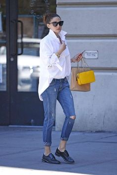 Olivia Palermo in Jeans - Uit in New York - juli . Olivia Palermo in Jeans - Uit in New York - juli . Street Style Trends, Street Style Women, New York Street Style, White Shirt Outfits, Jean Outfits, Casual Outfits, White Shirts, White Jeans, Fashion Mode