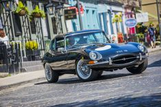 There are so many events taking place in Edinburgh this weekend, it is hard to know where to begin. The West End Classic Car Show organised by the West End Business Improvement District takes place… Classic Car Show, Classic Cars, Road Closure, West End, Edinburgh, Centre, News, City, Vintage Classic Cars