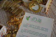 coffa, tradizionale borsa realizzata dall'intreccio delle foglie di palma nana di #sicilia. Usata per il foraggio degli animali da some o per il trasporto delle merci è diventata oggi accessorio #moda irrinunciabile o elemento d'arredo #sicilyfolk #sicilia # artigianato #handmade #opuntiaPutia #opuntiaStore #coffe