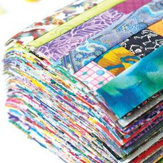 """Every last piece"" by Lynn Harris Keep your Fabric Stash in Check with String Quilting.String piecing is a fantastic way to use up the long, skinny pieces of fabric you might have left over from trimming quilt blocks, backing, or even as excess binding. Scrap Fabric Projects, Fabric Scraps, Sewing Projects, Quilting Tutorials, Quilting Projects, Quilting Designs, Quilting Tips, Art Quilting, Patchwork Quilting"