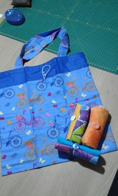 Most of the most popular bags do not meet a certain aesthetics this season. Reusable Shopping Bags, Reusable Bags, Bag Patterns To Sew, Fleece Patterns, Denim Bag, Market Bag, Cotton Bag, Handmade Bags, Bag Making
