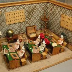Antique dolls house marklin school , Antique Dollhouse miniature school room , Puppenstuben zubehor Schule märklin