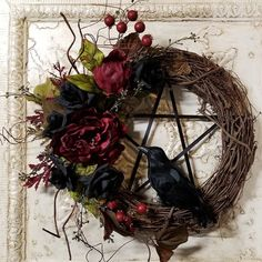 Brand: TheShabbyWitch Raven Pentacle Wreath, This lovely floral wreath in shades of burgundy peony & black rose's with a beautiful raven, red berries and vines Wiccan Decor, Wiccan Crafts, Fall Halloween, Halloween Crafts, Halloween Decorations, Ravens Wreath, Witch Wreath, Wreath Crafts, Samhain