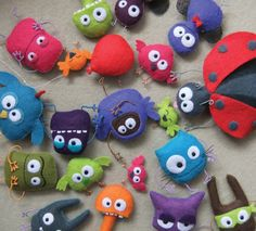 Felt critters...no idea if this as any tutorials, etc, as it is in French (?). But I like 'em ~s~    NB - nope - no tutes...but they are still cute!