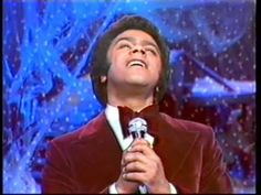 Johnny Mathis - oh holy night.wmv He has always been my favorite singer