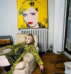 vintage everyday: Queen of Punk: 15 Extraordinary Portraits of Debbie Harry from 1977 to 1988