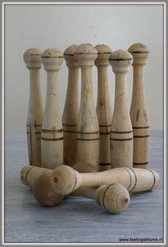 Oud kegelspel 2, old wooden toys