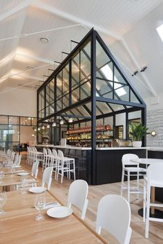 The Old Library (re-incarnation as a restaurant in Cronulla, a suburb of Sydney, Australia) by Hecker Guthrie. good use of ceiling height in restaurant design Decoration Restaurant, Design Bar Restaurant, Deco Restaurant, Restaurant Kitchen, Design Café, Design Hotel, Cafe Design, Kiosk Design, House Design