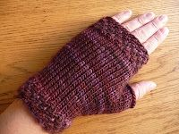 Smashed Grapes - Free Fingerless Mitts Pattern