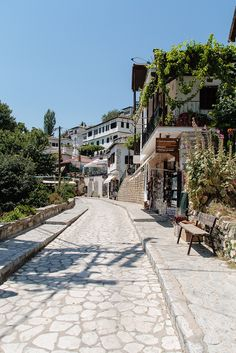 Makrinitsa, Pillion, Greece Porches, Zorba The Greek, Acropolis, Travel Aesthetic, Ancient Greece, Places To See, Sailing, Paradise, Landscapes