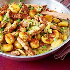 Gnocchipskin with cutlet recipe Source by thorstenleissne Related posts: Gnocchi pan with schnitzel strips Gnocchi chicken and carrot pan. Made fast and so delicious! Within 2 … Gnocchi and zucchini pan with feta cracker dip Paprika chicken Gnocchi pan Pasta Recipes, Beef Recipes, Chicken Recipes, Vegetarian Recipes, Cooking Recipes, Healthy Recipes, Shrimp Recipes, Simple Recipes, Healthy Foods