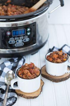Slow Cooker Quinoa and Sweet Potato Chili {Gluten-Free, Vegan}
