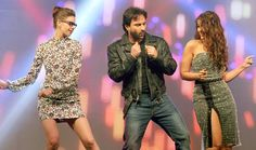 Kalki Koechlin, Saif Ali Khan and Ileana D'Cruz get ready to groove at the music launch of 'Happy Ending'.