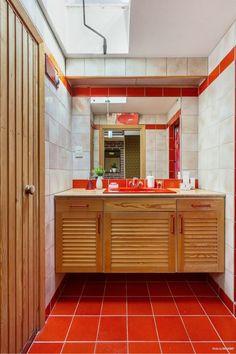 stiligahem.se - Inspiration: 70-tals inredning Kitchen Cabinets, Inspiration, Glamour, Home Decor, Projects, Biblical Inspiration, Decoration Home, Room Decor, Cabinets