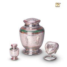urnwebshop levert voordelig uw urn, asbeeld, dierenurn en assieraad