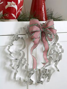 DIY Cookie cutter wreath with bow.