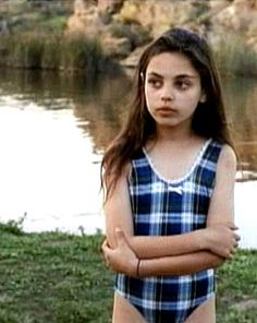 Embarrassing horror movie pasts are the best. Exhibit A: a young Mila Kunis starred in the 1995 Piranha remake