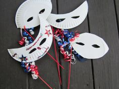 DIY craft, easy paper plate masks-- use for of July, Halloween, Mardi Gras, Valentine's Paper Plate Masks, Paper Plate Crafts, Paper Plates, Art For Kids, Crafts For Kids, Arts And Crafts, Diy Crafts, Preschool Projects, Kids Fun