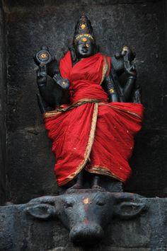 Baby Krishna, Cute Krishna, Asian Sculptures, Kali Mata, Kali Goddess, Shiva Statue, India Culture, Divine Mother, Indian Art Paintings