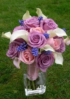 Just imagine with white roses, darker purple roses and blue cala lilies.