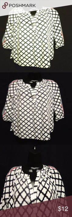 """CROWN & IVY Infinite Print Top Shirt Blouse Classy, Classic and Casual all In One  Hudson Infinite Print Top  Navy/White Red Stripes on Sleeves  3/4 Sleeve  Y Neck Line  Soft Rayon Fabric  Women's Size Medium Measures Armpit to Armpit 19"""" Length From Shoulder to Hem 22.5""""  Excellent Pre-Owned Condition   Classy, Casual Shirt!!   Smoke Free Environment Crown & Ivy Tops"""