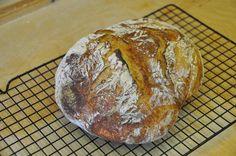 Ecco la nostra Video Ricetta Pane Casereccio. Su questo blog mi piace proporre ricette per il pane in casa dalle più facili alle più difficili. Provala!