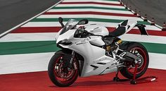 Ducati 899 Panigale Gives Birth - http://www.technologyka.com/automotive-technology/ducati-899-panigale-gives-birth.php/7774875 -    F: Ducati Panigale 899 (Autoevolution)   FRANKFURT  strong  – After reaping success, Ducati factory re-birth of a new model that is the sister of the 1199 Panigale. Italian sport bike manufacturer was named Panigale 899.   Reported by autoevolution, Wednesday (09/11/2013) launch of this...