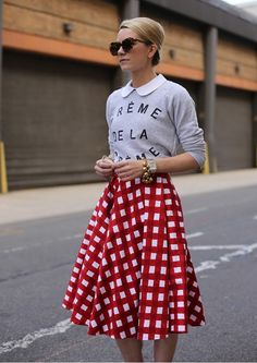 Few gorgeous gingham looks that are perfect for summer. Ways to wear Gingham this summer. Vetements Clothing, Look Fashion, Womens Fashion, Fashion Shoes, Fashion Beauty, Girl Fashion, Gingham Skirt, Checkered Skirt, Red Gingham