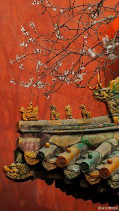 Au gré du vent,j'irai là où les images m'emporteront ♦๏~✿✿✿~☼๏♥๏花✨✿写☆☀🌸🌿🎄🎄🎄❁~⊱✿ღ~❥༺♡༻🌺<MO Jan ♥⛩⚘☮️ ❋ China Architecture, Ancient Architecture, Chinese Buildings, Peking, Chinese Element, Chinese Patterns, Art Asiatique, Into The West, Chinese Garden