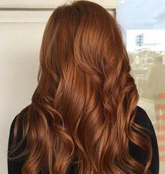 Derin Bakır Dalgalı Saç Modelleri