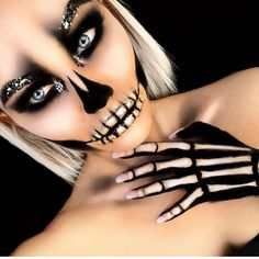 Really Cool Skeleton Makeup Ideas to Wear This Halloween ★ See more: glaminati. ideas Really Cool Skeleton Makeup Ideas to Wear This Halloween ★ See more: glaminati Halloween Makeup Looks, Halloween Diy, Halloween Makeup Glitter, Halloween Skeleton Makeup, Glitter Makeup, Bricolage Halloween, Black Hair Halloween Costumes, Pretty Skeleton Makeup, Skeleton Costume Women