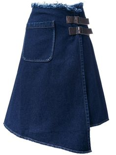 Most techniques to wear a denim skirt will be dependent your individual form, but this simplistic elegant wardrobe. Raw Denim, Denim On Denim, Denim Skirt, Black Shorts Outfit, Outfit Jeans, Diy Jeans, Love Jeans, Denim Fashion, Skirt Fashion