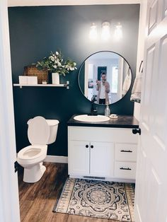 Half Bath Makeover: Transforming Our Builder Grade Bathroom To A Modern and Chic Powder Room — Hunter Rohwer - - One of the first rooms we decided to do a makeover on in our new home was our half bath off the kitchen! Check out the before and after! Bad Inspiration, Interior Inspiration, Diy Bathroom Remodel, Condo Bathroom, Apartment Bathroom Decorating, Decorating Small Bathrooms, Guest Bathroom Remodel, Office Bathroom, Bathroom Showers