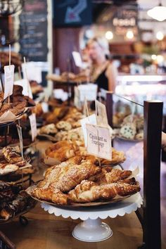 Montreal Restaurants: Expert recommendations for the best places to eat in four price ranges: budget ($), moderate ($$), expensive ($$$), and luxury ($$$$).