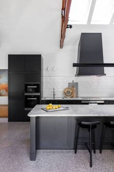Black kitchen with terrazzo floors. Barcom Terrace in Darlinghurst, Sydney by Arent&Pyke Kitchen Interior, Kitchen Design, Home Interior, Floor To Ceiling Curtains, Open Plan Kitchen Dining, Kitchen Floor, Kitchen Reno, Kitchen Cabinets, Timber Flooring