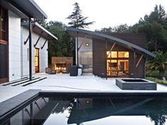 Sitting area.  modern pool by WA design