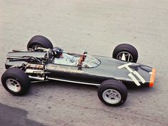 Graham Hill 1966 BRM with the infamous motor. Sports Car Racing, F1 Racing, Racing Team, Aston Martin, Motor Car, Motor Sport, Classic Race Cars, Gilles Villeneuve, Monaco Grand Prix