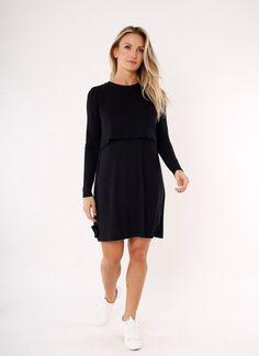 O pretinho básico é a roupa perfeita para uma mulher grávida. Elegância e estilo, além de muito conforto durante a amamentação.