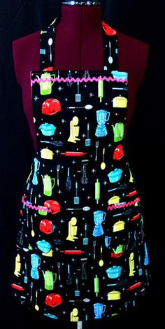 Love this apron, retro and colorful! #aprons #adult aprons #handmade
